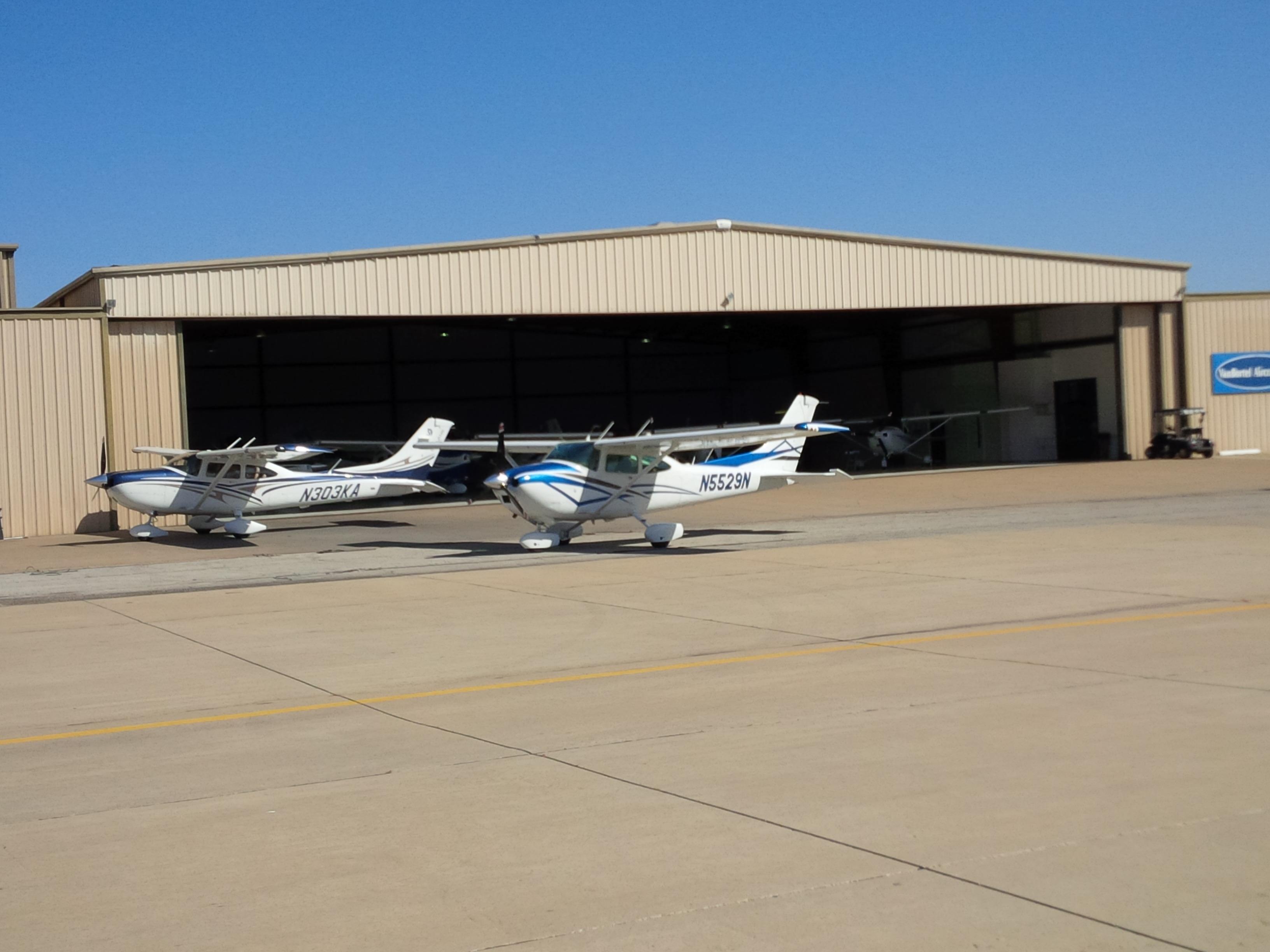 "1981 Cessna 182R ""Skylane"""