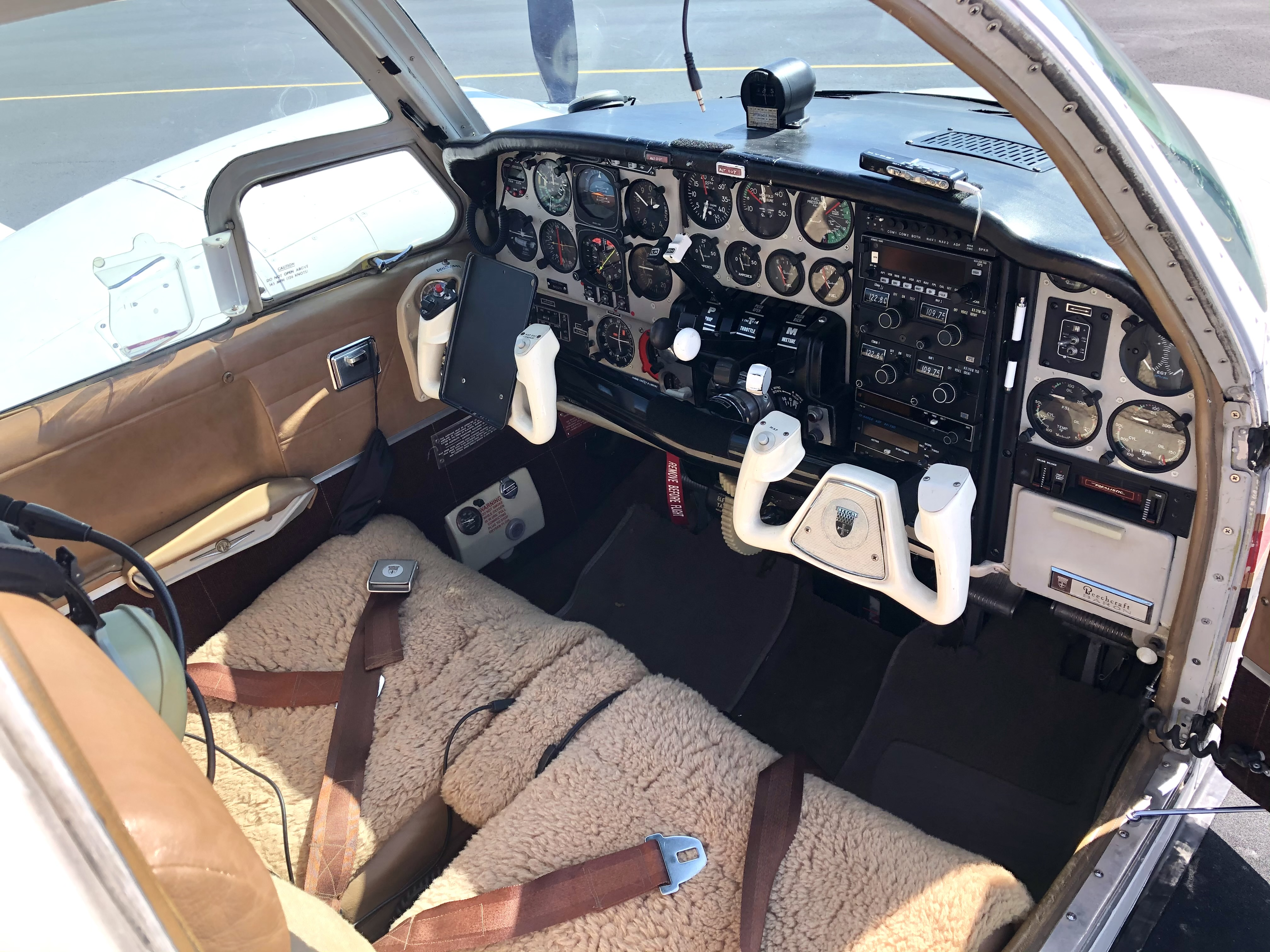 1968 Beechcraft B55 Baron